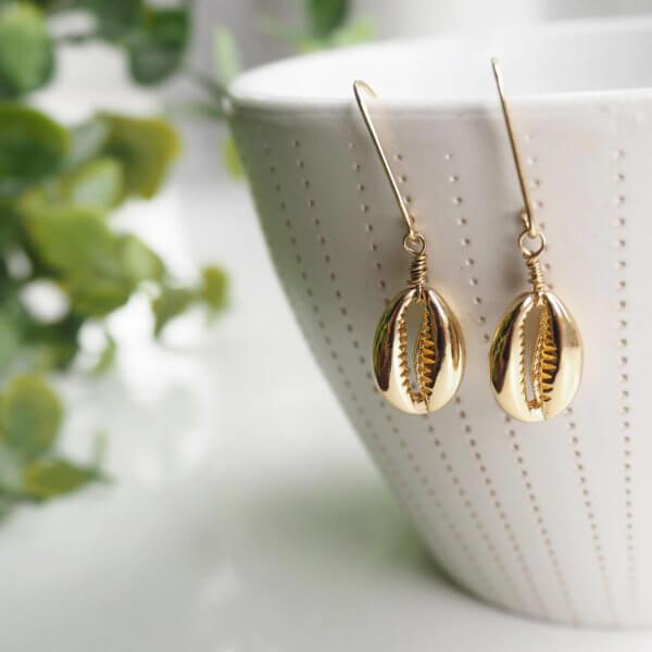 Shell droplet earrings