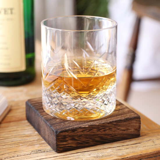 Vintage Style Etched Whisky Tumbler with Wooden Base