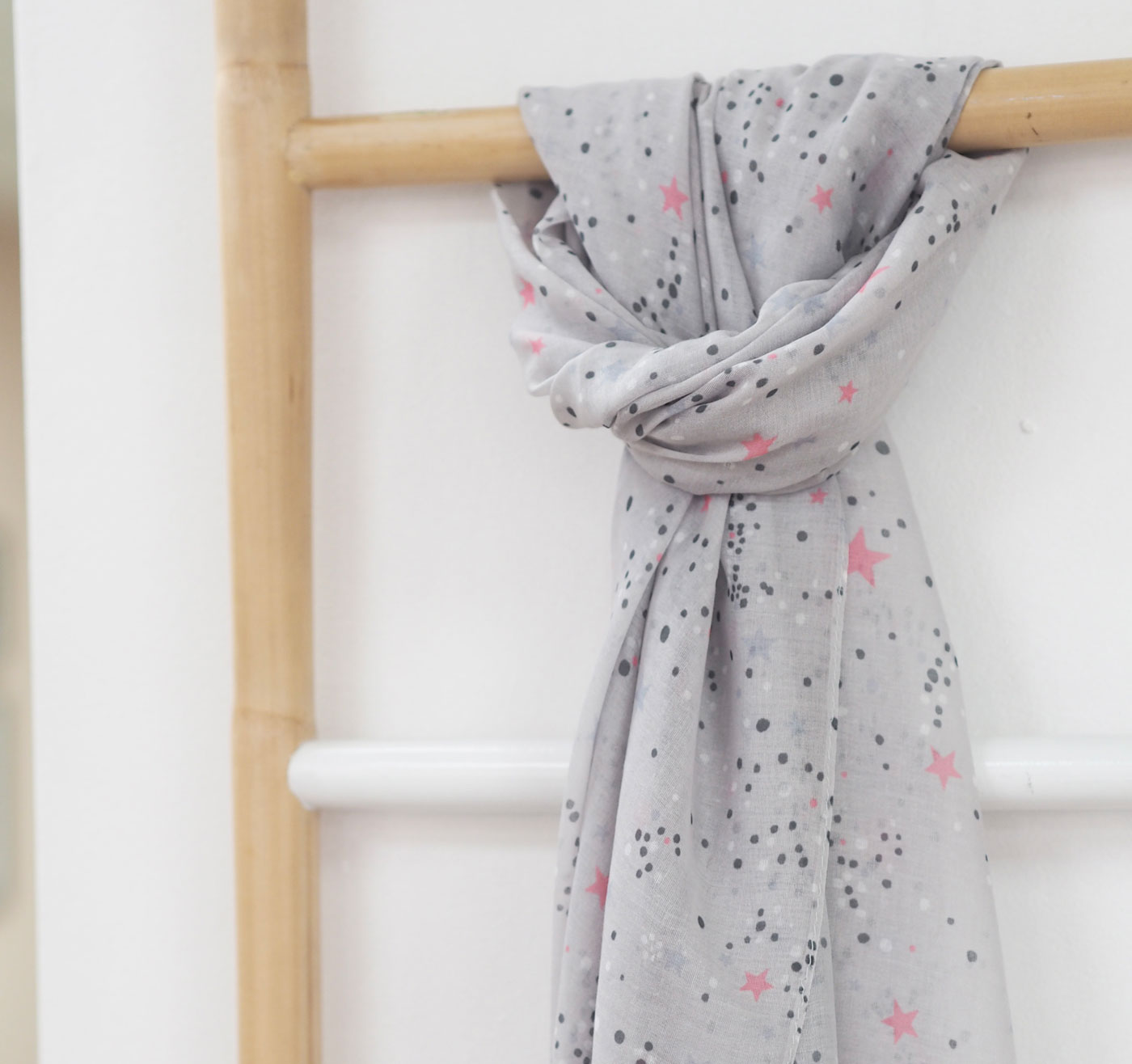 Grey & Pink Scatter Star Scarf